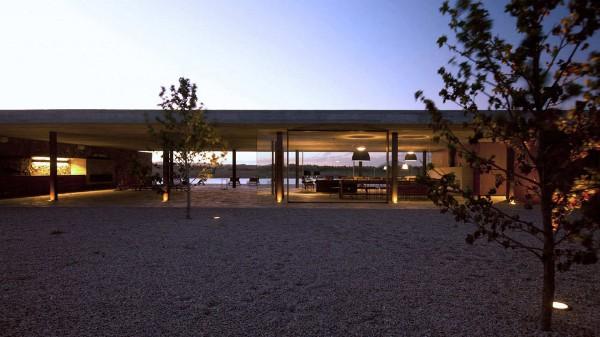 Punta House by Marcio Kogan 17