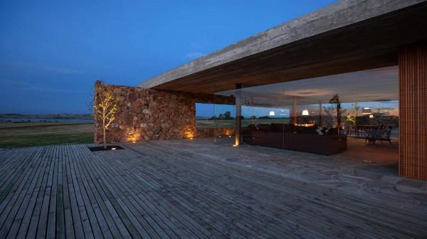 Punta House by Marcio Kogan 5