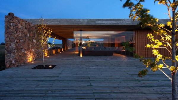 Punta House by Marcio Kogan 6