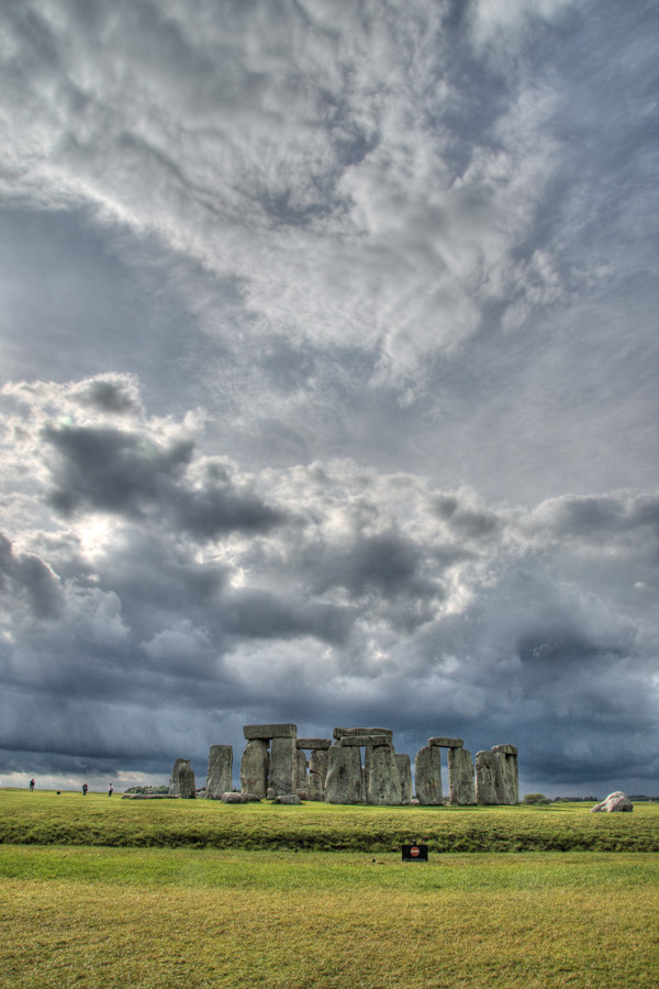 the myths and legends surrounding stonehenge 5,600-year-old ceremonial center found near stonehenge, built 1,000 years before stone circle was erected picture people 5,650 years ago gorging on huge amounts of beef, smashing large decorated bowls that may have held broth or other liquids and possibly smashing human skulls.