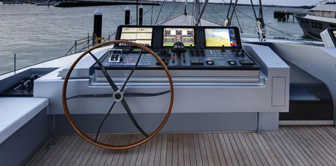 Alloy Yachts Vertigo 220 Superyacht