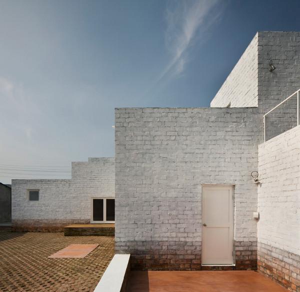 Minus K House by Kuu Architecture 3