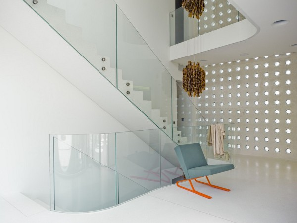 O House by Stuebi and Tröger 10