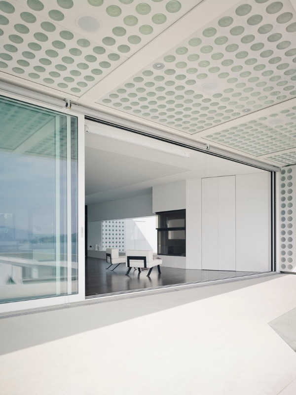 O House by Stuebi and Tröger 14