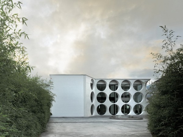 O House by Stuebi and Tröger 7