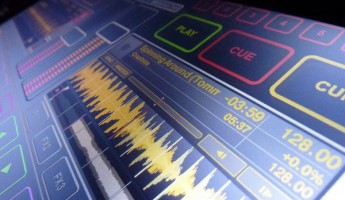 Emulator- Amazing Multi-Touch DJ Technology