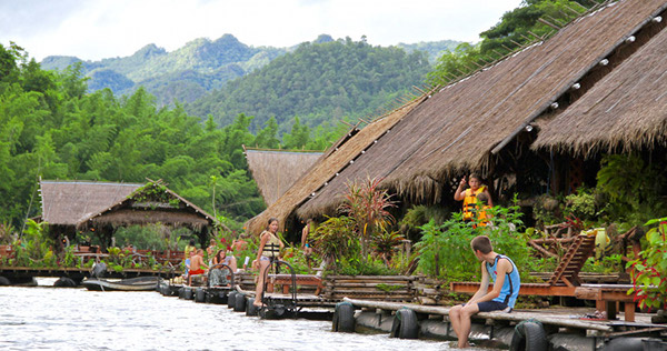 River Kwai Floating Hotel 1