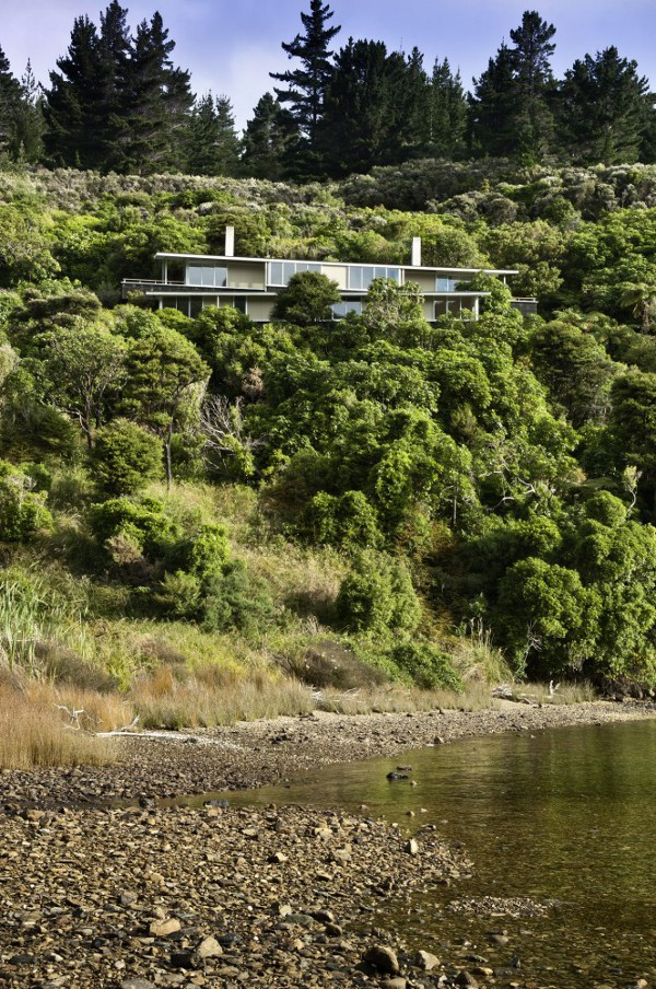 Apple Bay House by Parsonson Architects 1 Apple Bay House by Parsonson Architects