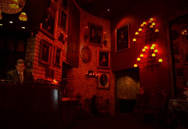 Berns Steak House – 11162011 – Berns Lobby 3