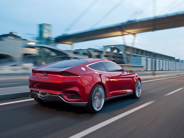 Ford-EVOS-Concept-Car-12