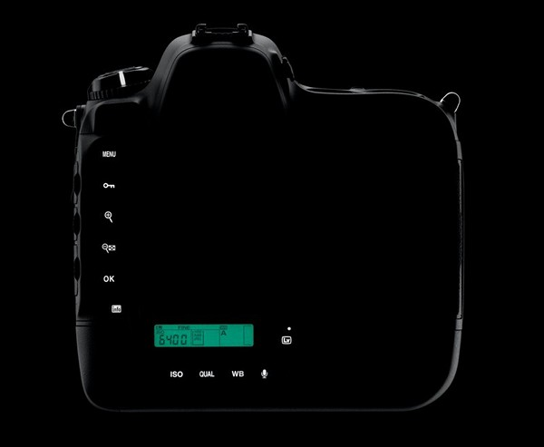 Nikon D4 DSLR 12
