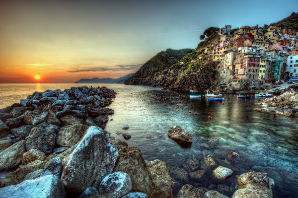 Cinque Terre Italy 2 Cities of Color: 10 Vibrant, Colorful Cities of the World