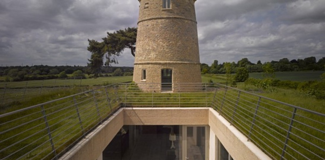 Round Tower House by De Matos Ryan