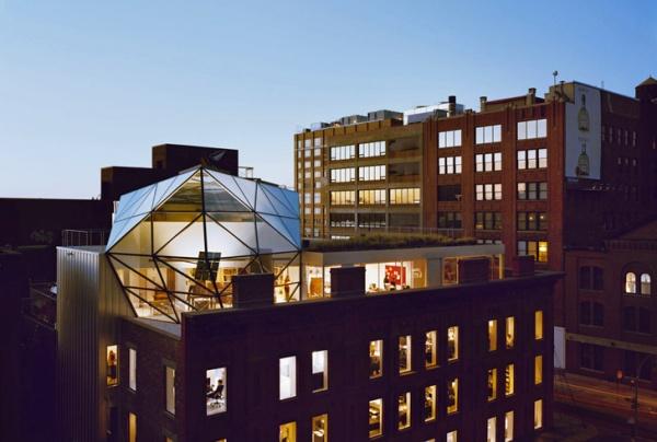 diane von furstenberg home 1 Diane Von Furstenburgs Glass Penthouse