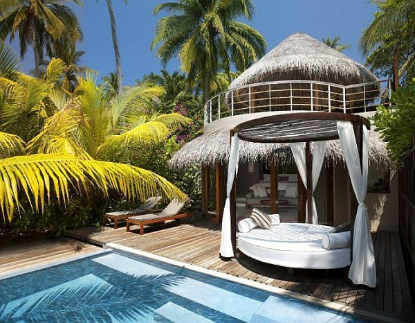 maldives W-Retreat-and-Spa-in-Maldives-baldaquin-pool 1