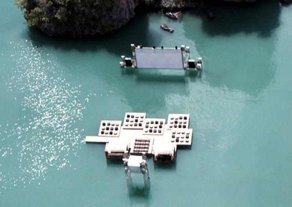 thai floating cinema 1 Floating Movie Theater in Thailand
