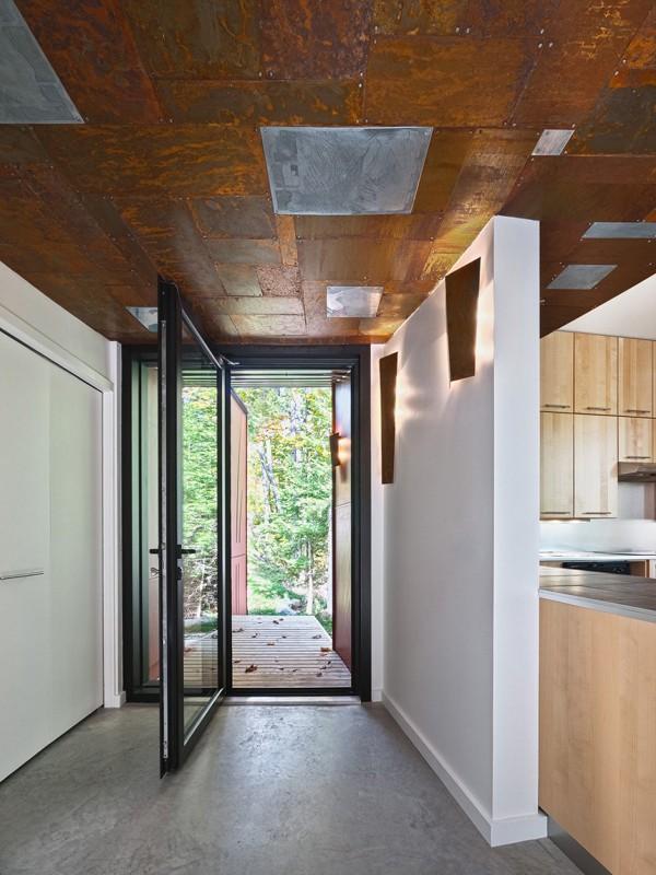 Hill-Maheux Cottage by Kariouk Associates 12