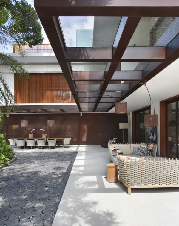 itiquira house in rio de janeiro by gisele taranto and maneco quindere 9 Itiquira House by Gisele Taranto