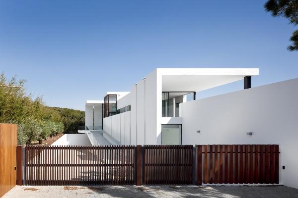 Casa Vale do lobo by arqui and arquitectura 1 Casa Vale de Lobo by Arqui+