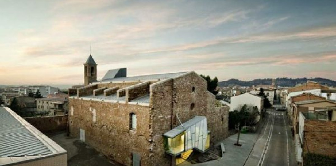 Crumbling Sant Fransesc Church by David Closes