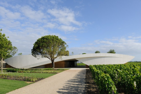 christian de portzamparc chateau chevel blanc winery architecture 1