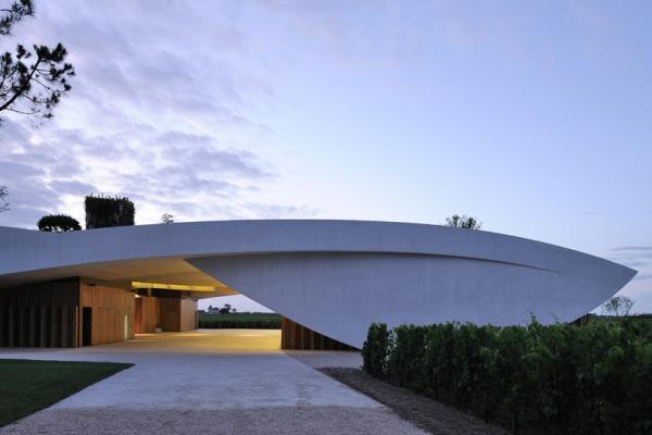 christian de portzamparc chateau chevel blanc winery architecture 9