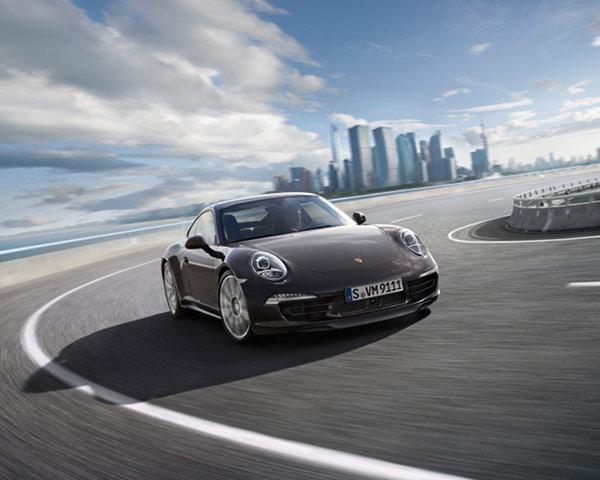 2013 Porsche Carrera 4 8