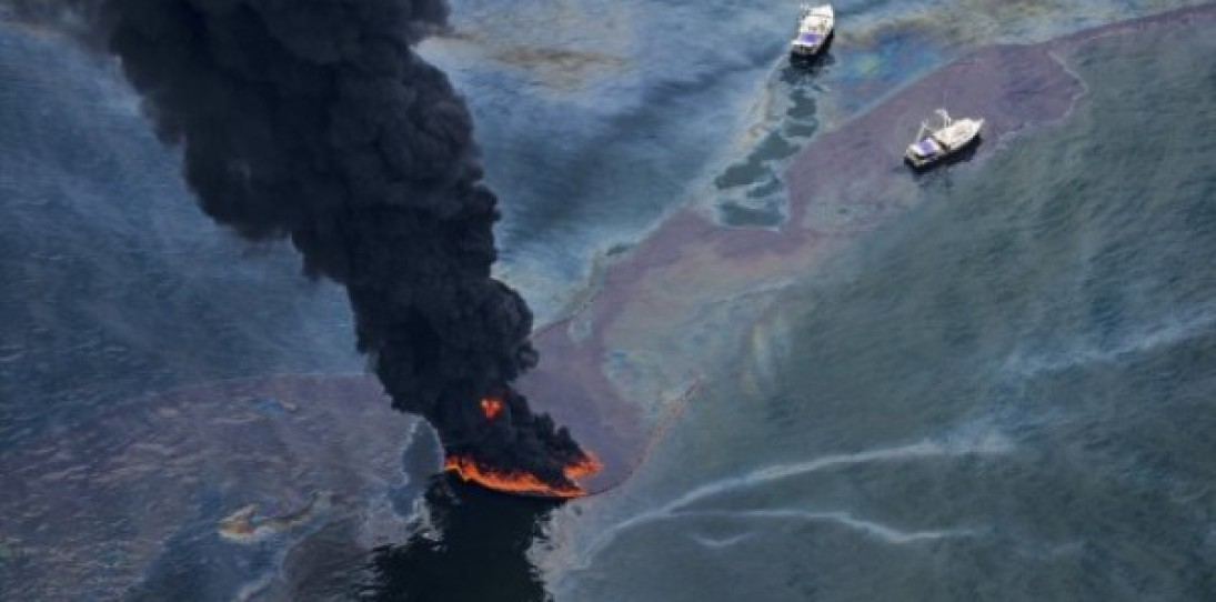 Aerial Gulf Oil Spill Photography by Daniel Beltra