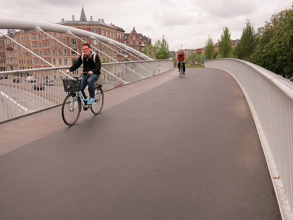 copenhagen green path bridge planetgordon com The Bicycle Revolution: Once and Future King of Transport