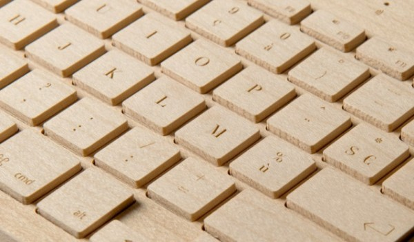 oree wireless maple or walnut wooden computer keyboard 2 The Orée Wireless Wooden Keyboard