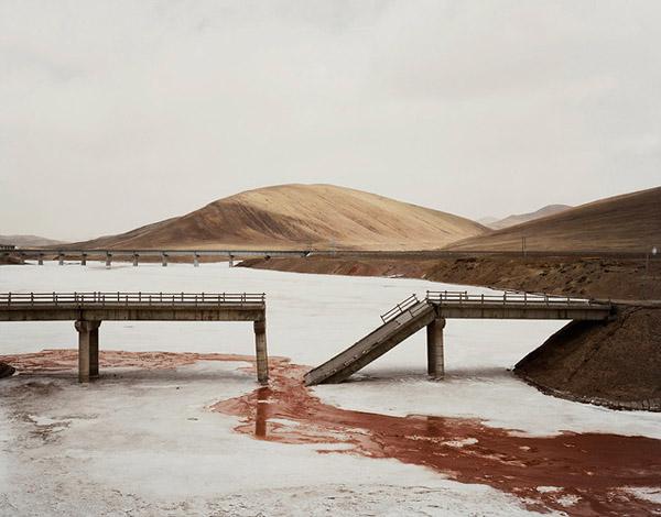 Chinas Longest River by Nadav Kander 7