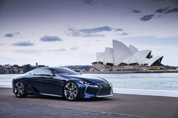 Lexus LF-LC Blue 5