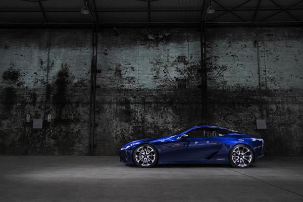 Lexus LF-LC Blue 7