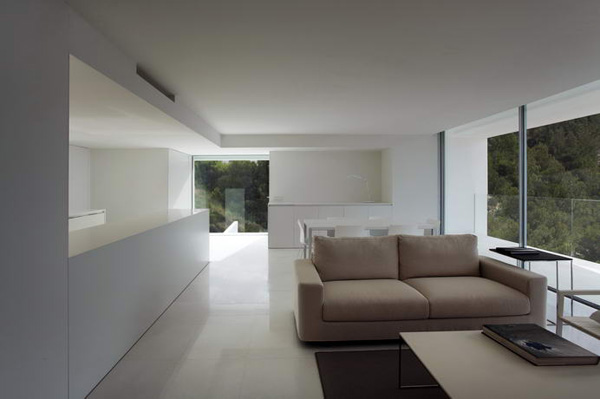 House on the Cliff by Fran Silvestre Arquitectos 14