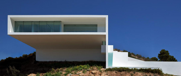 House on the Cliff by Fran Silvestre Arquitectos 2 House on the Cliff by Fran Silvestre Arquitectos