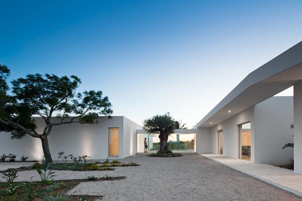 House in Tavira by Citor Vilhena 7 House in Tavira by Vitor Vilhena