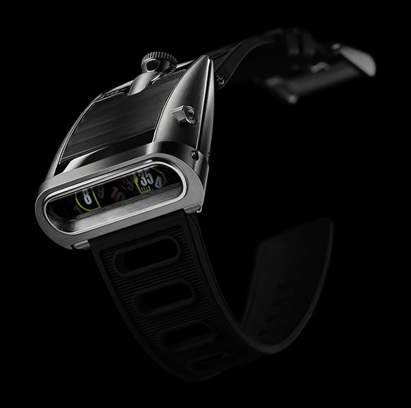 MB&F HM5 Timepiece 2