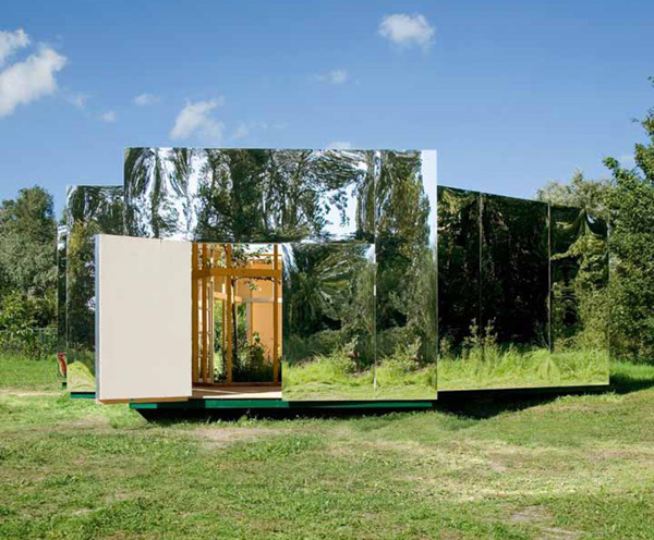 Mirrored Artist Studio by Bureau Lada 1 Mirrored Artist Studio by Bureau Lada