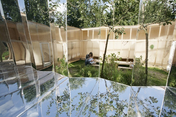 Mirrored Artist Studio by Bureau Lada 2 Mirrored Artist Studio by Bureau Lada