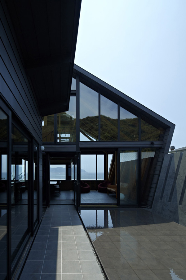 Villa SSK by Takeshi Hirobe Architects 3