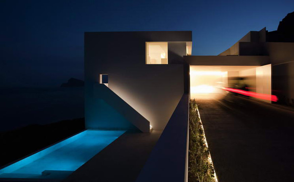 House on the Cliff by Fran Silvestre Arquitectos 7 ArchLust: The 12 Architectural Masterworks of 2012