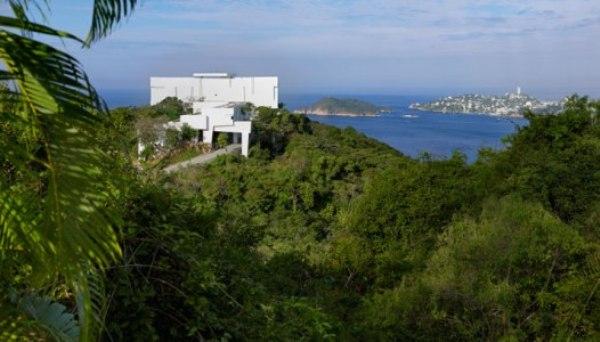 The-Encanto-Hotel-by-Miguel-Angel-Aragones-Acapulco-Mexico-architecture 1