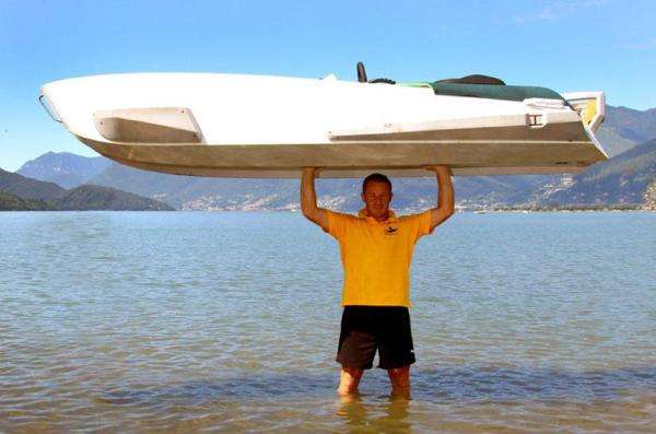 high-performance-swiss-made-marine-kart-boat-1