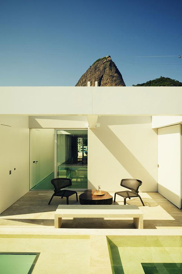 Urca Penthouse by Arthur Casas 3 Urca Penthouse by Arthur Casas