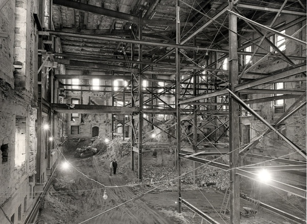 white house fully gutted under construction vintage photographs 1 An Eerie Look at an Empty White House