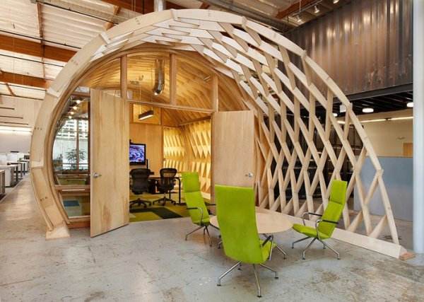 hayden place by the cunningham group architecture sustainable office in culver city california 2 An Office with a Garden