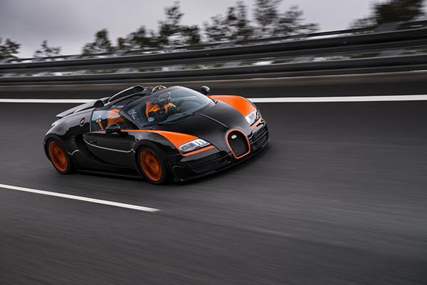 Bugatti Veyron Grand Sport Vitesse 1 Bugatti Veyron Grand Sport Vitesse