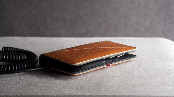 Hard Graft Mighty Phone Fold Wallet 1 600x334 Hard Graft Mighty Phone Fold Wallet