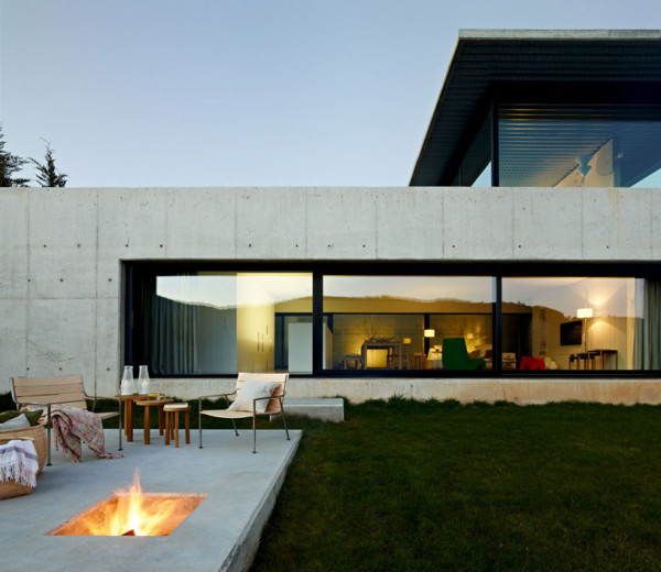 House on the Minho River by Quico Jorreto 3 600x520 House on the Minho River by Quico Jorreto