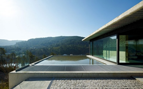 House on the Minho River by Quico Jorreto 4